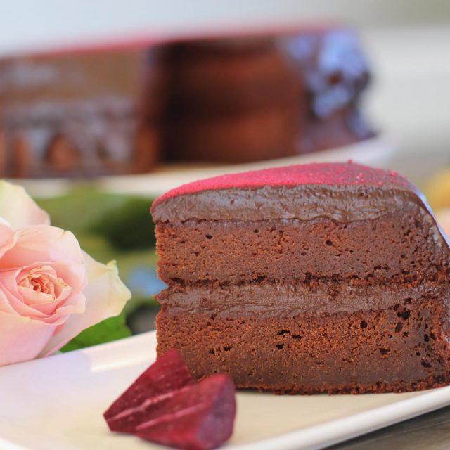 Har du smakt sjokoladekake med rdbeter? Hvis ikke har duhellip