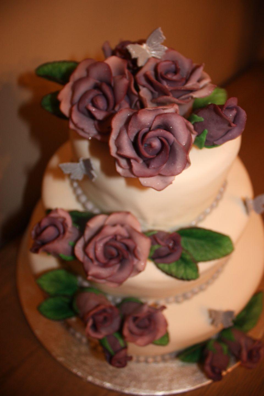 Bryllupskake trondheim lilla roser