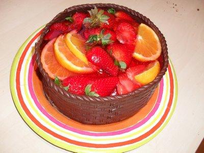 Kake med jordbær og appelsin