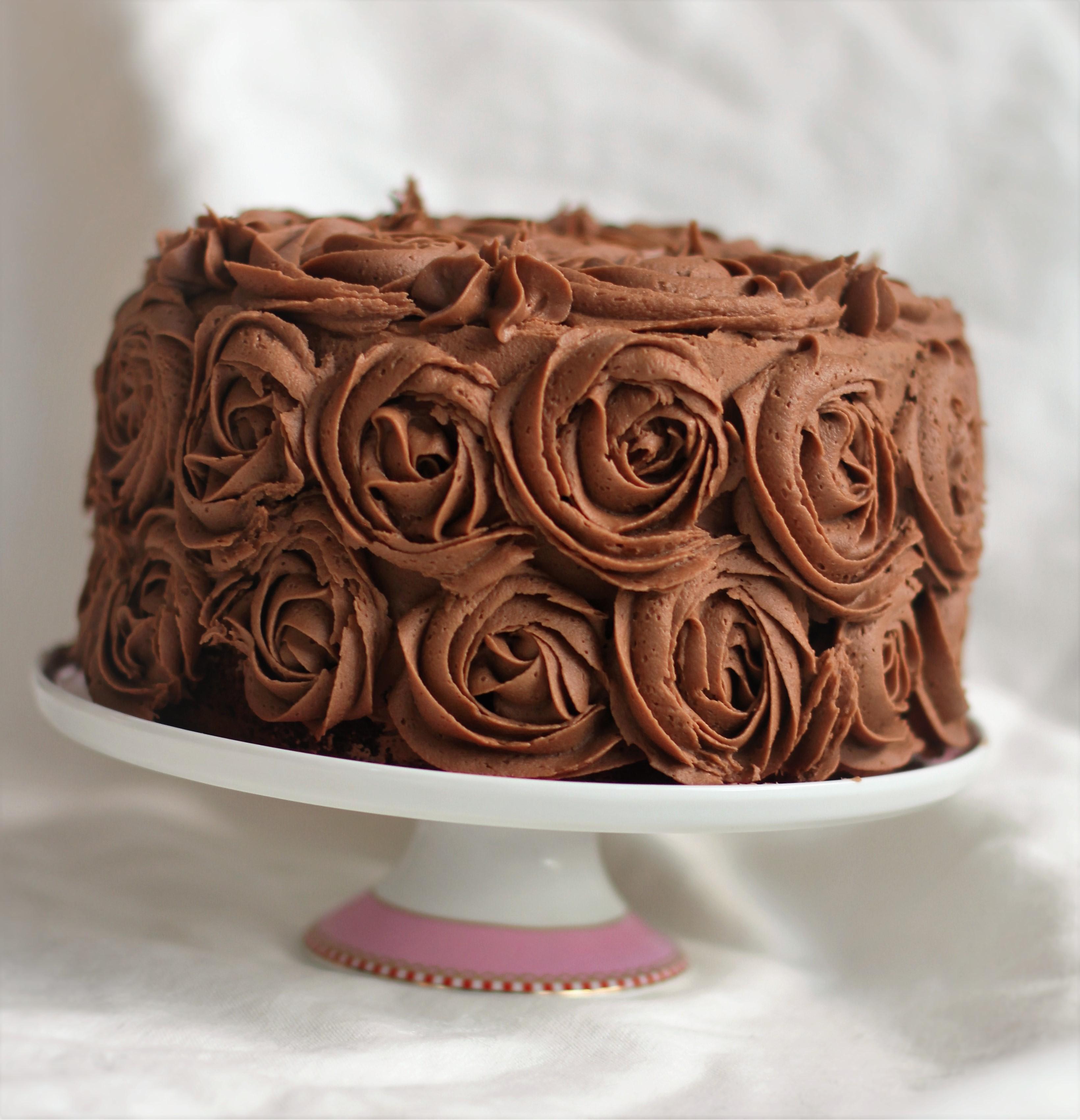sjokoladekake med fyll