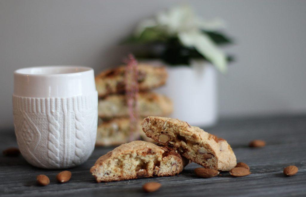 Oppskrift biscotti med sitron og hvit sjokolade